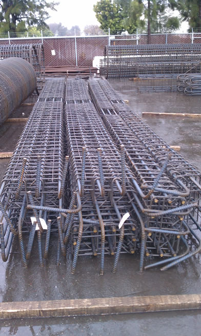 Staged rebar column